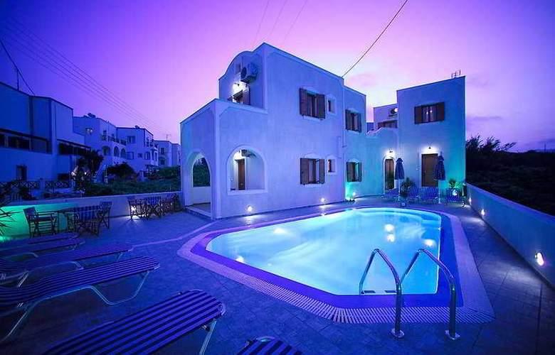 Kelenis Apts - Hotel - 0