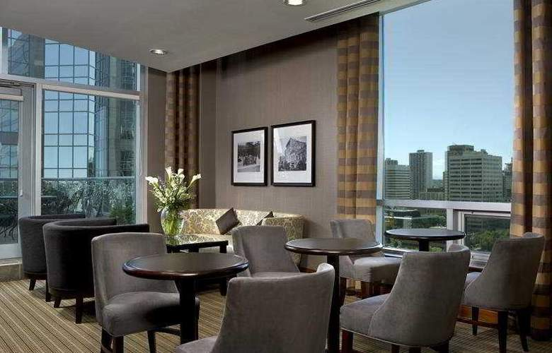 Sheraton Suites Calgary Eau Claire - Bar - 9