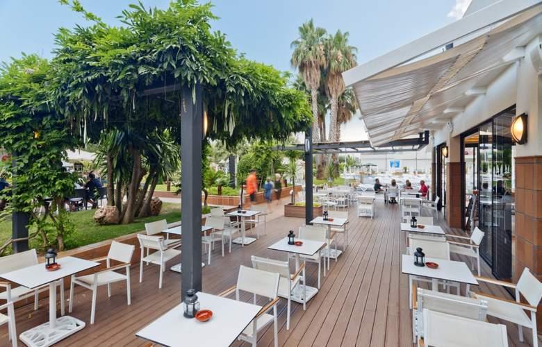 Aqua Hotel Aquamarina And Spa - Terrace - 30