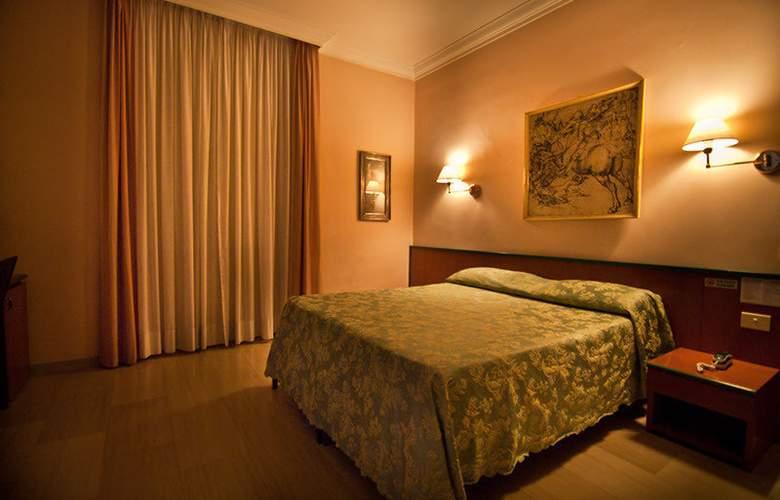 Center 1 & 2 - Room - 6