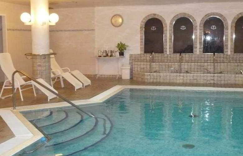 Termes La Garriga - Pool - 0