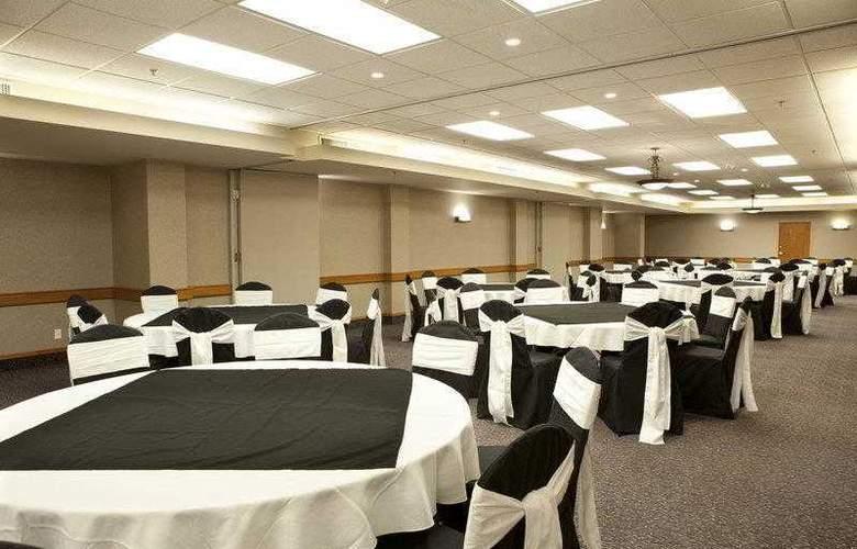 Best Western Plus Pocaterra Inn - Hotel - 34