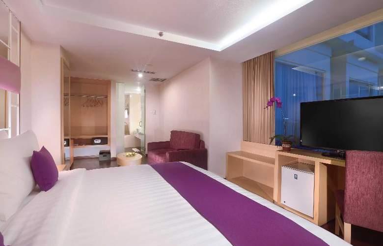 Quest Hotel Surabaya - Room - 2