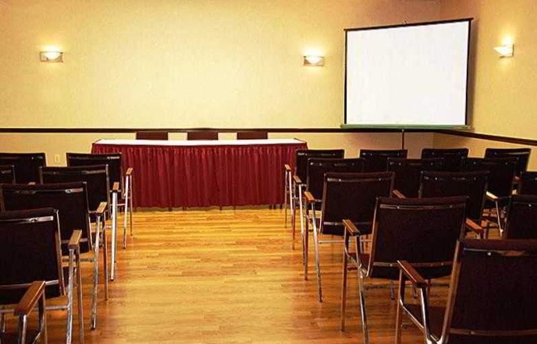 Days Inn Windsor Casino - Conference - 3