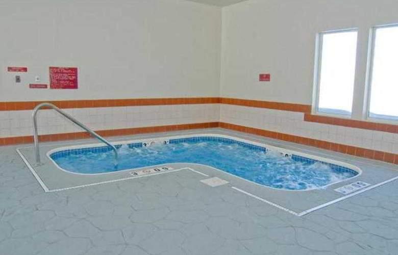 The Lowry - Pool - 27