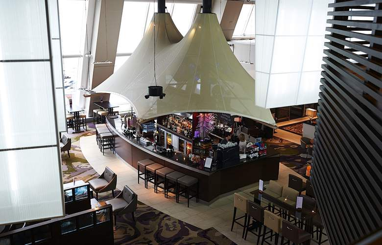 Crowne Plaza Glasgow - Bar - 18