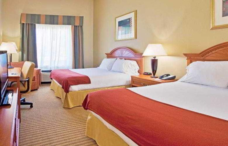 Holiday Inn Express & Suites Tampa - Hotel - 5