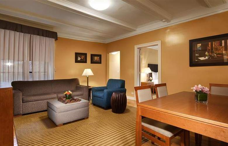 Best Western Plus Hospitality House - Apartments - Room - 112