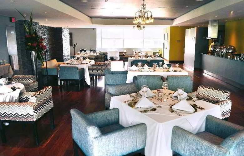 San Fernando Plaza - Restaurant - 36