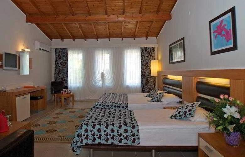 Crystal Flora Beach Resort - Room - 2