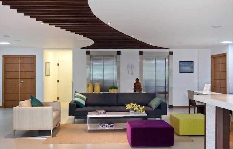 Al Mare Palace - Hotel - 4