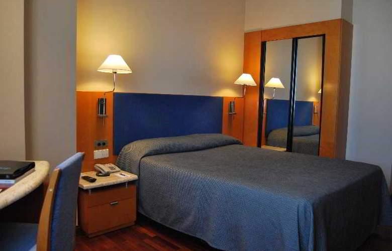 Villacarlos - Room - 10