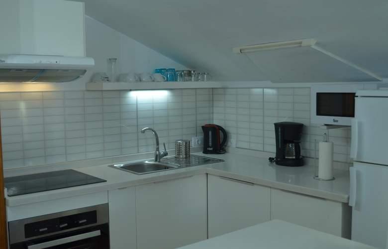 Apartamentos Lacy - Room - 5