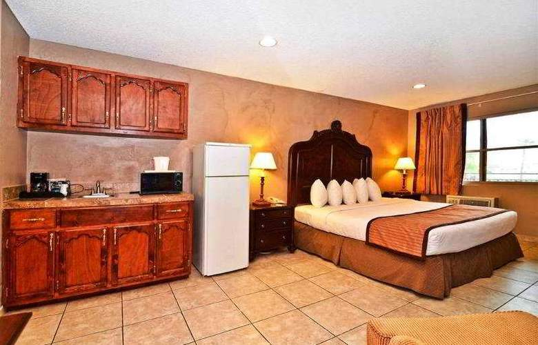 Quality Inn & Suites Near The Border - Room - 20