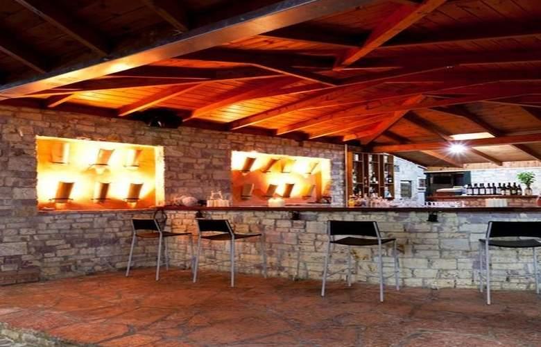 Olympic Village - Bar - 12