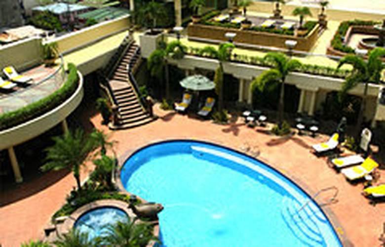 Pan Pacific Manila - Pool - 3