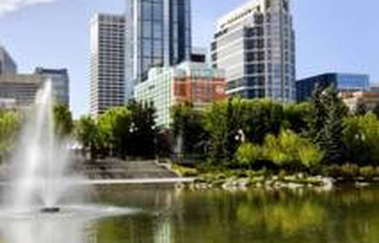 Sheraton Suites Calgary Eau Claire - General - 2