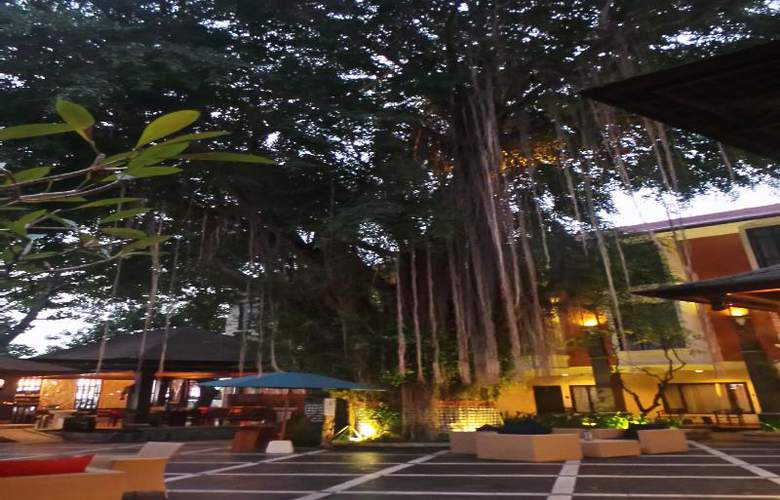 Best Western Resort Kuta - Terrace - 48