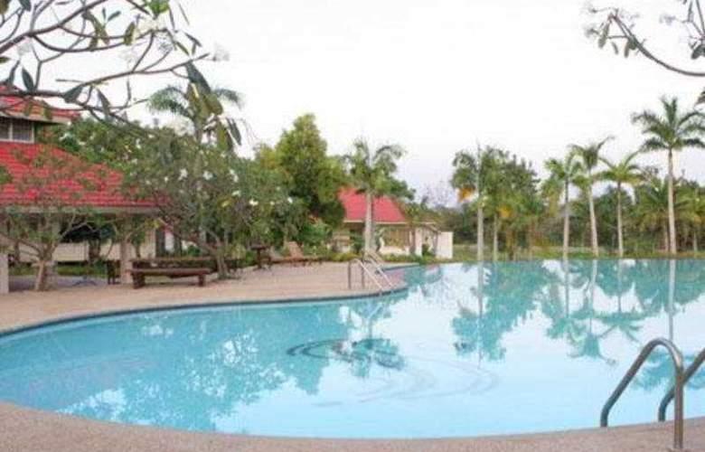 Muaklek Health Spa & Resort - Pool - 7