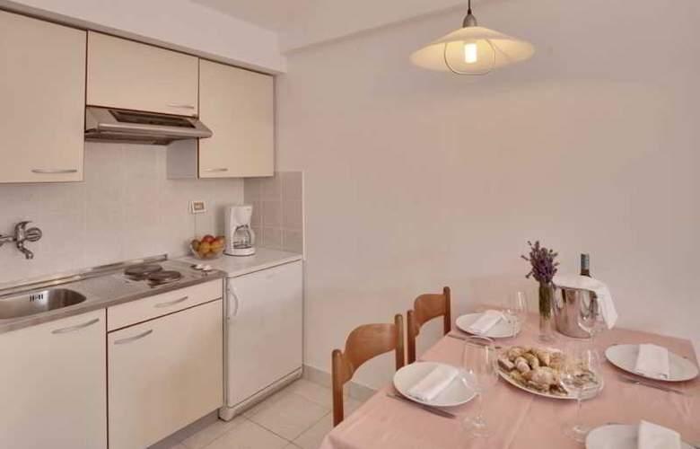 Resort Villas Rubin Apartments - Room - 8