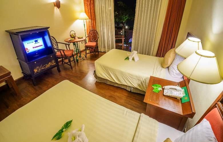 Seaview Patong - Room - 18