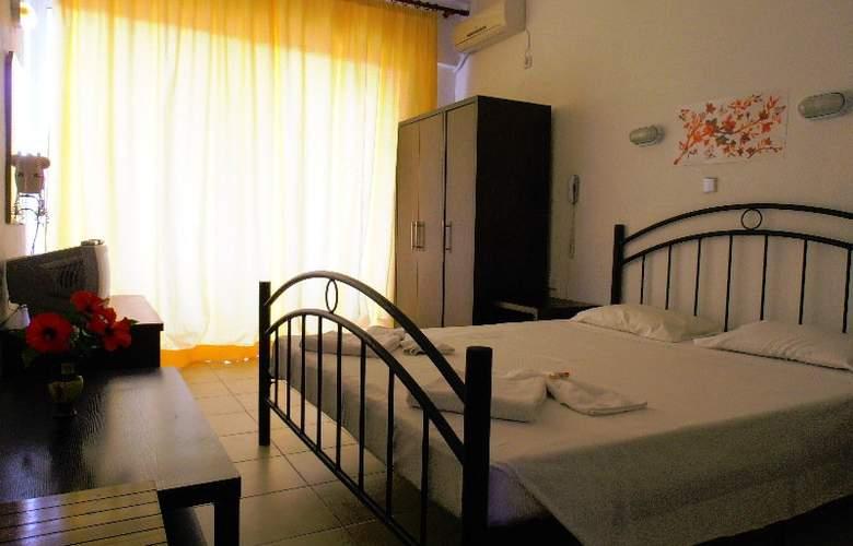 Loutanis - Room - 2