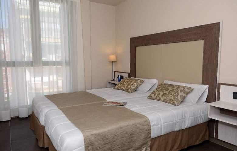 Pierre & Vacances Barcelona Sants - Hotel - 5