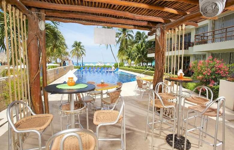 Ixchel Beach Hotel - Restaurant - 32