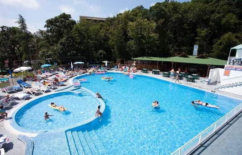 Pliska - Pool - 5