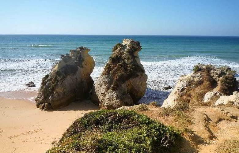 Turiquintas - Beach - 24