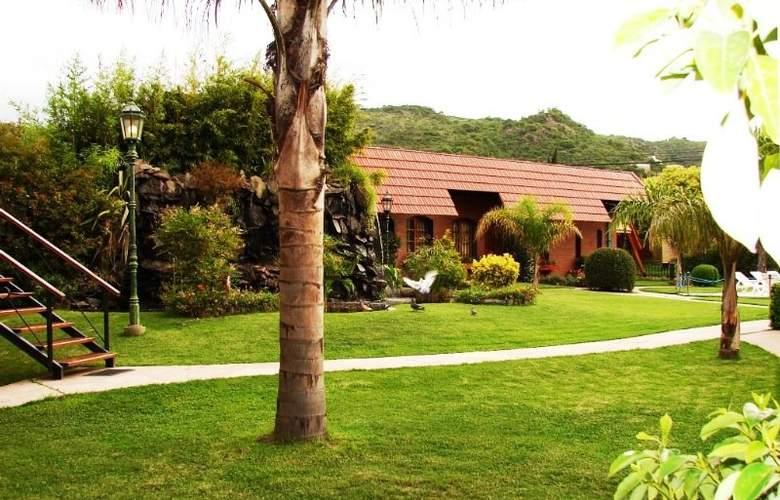 San Isidro Spa & Resort - Terrace - 9