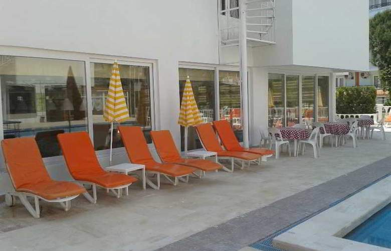 Altinersan Otel - Pool - 15