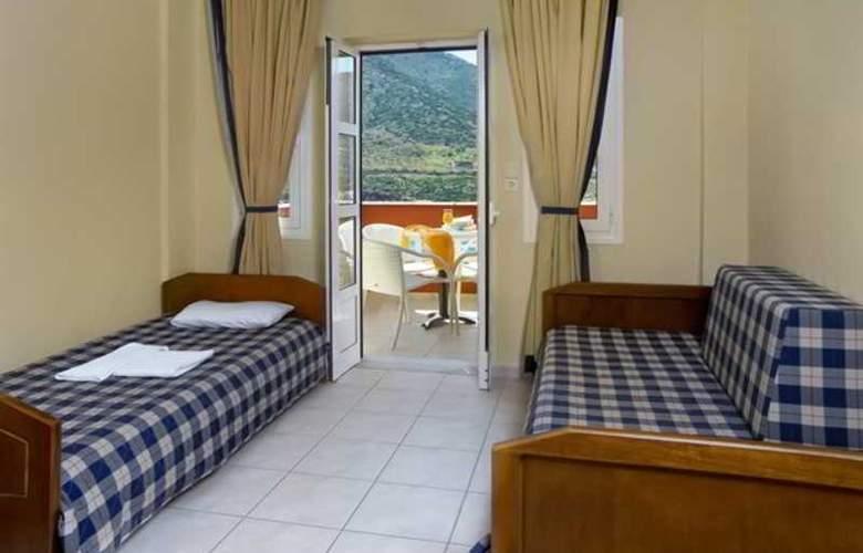 Troulis - Room - 2