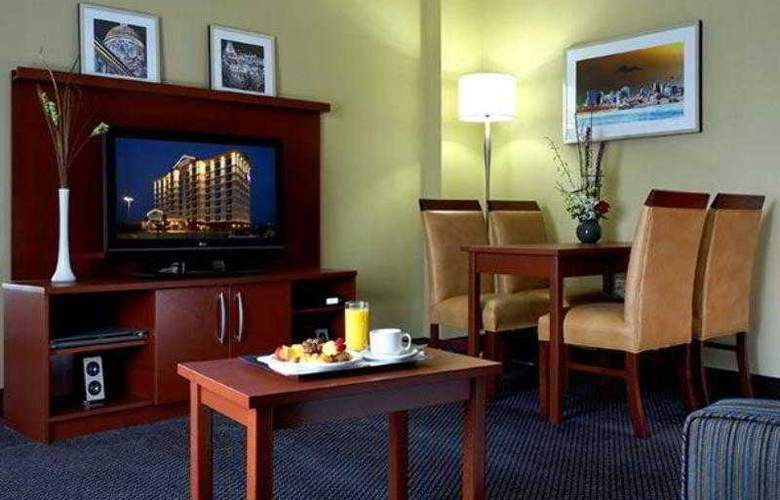 Fairfield Inn & Suites Montreal Airport - Hotel - 13