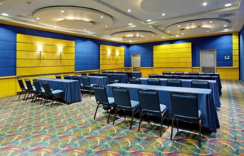 Holiday Inn Monterrey Parque Fundidora - Hotel - 7