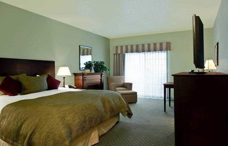 Best Western Plus Bayshore Inn - Hotel - 2