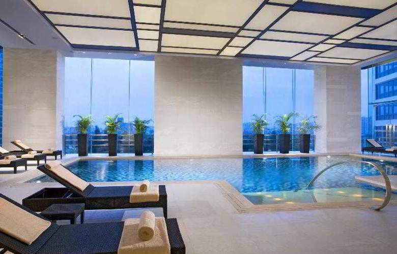 Four Points by Sheraton Guangzhou - Pool - 13