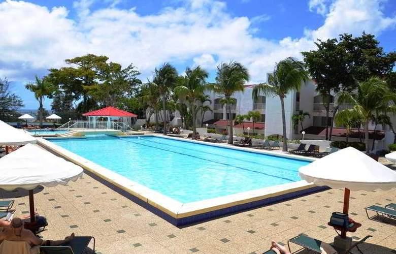 Simpson Bay Beach Resort and Marina - Pool - 3