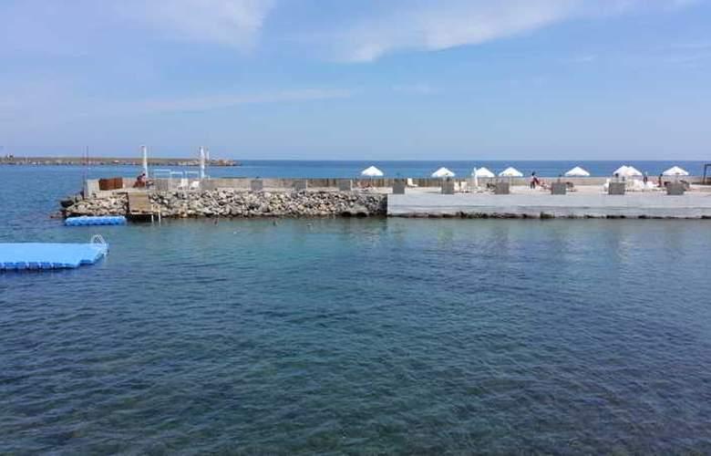 Oscar Resort - Beach - 36