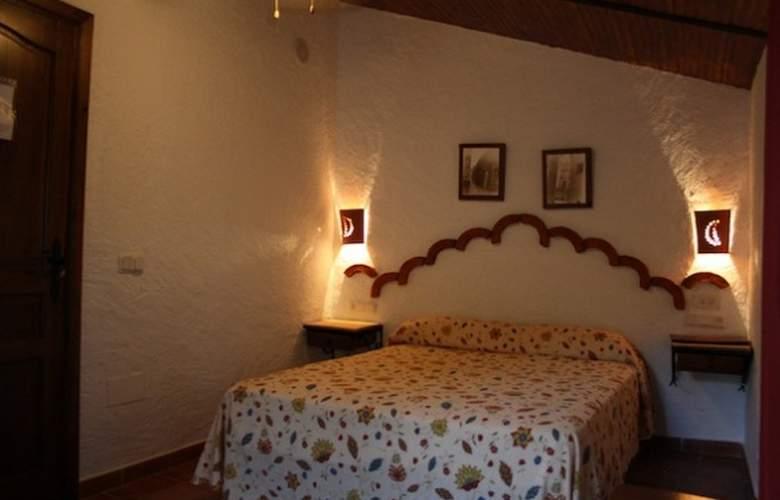 El Cortijo - Room - 8