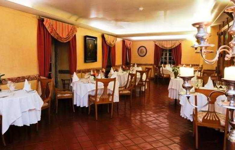 Lawrence's - Restaurant - 19