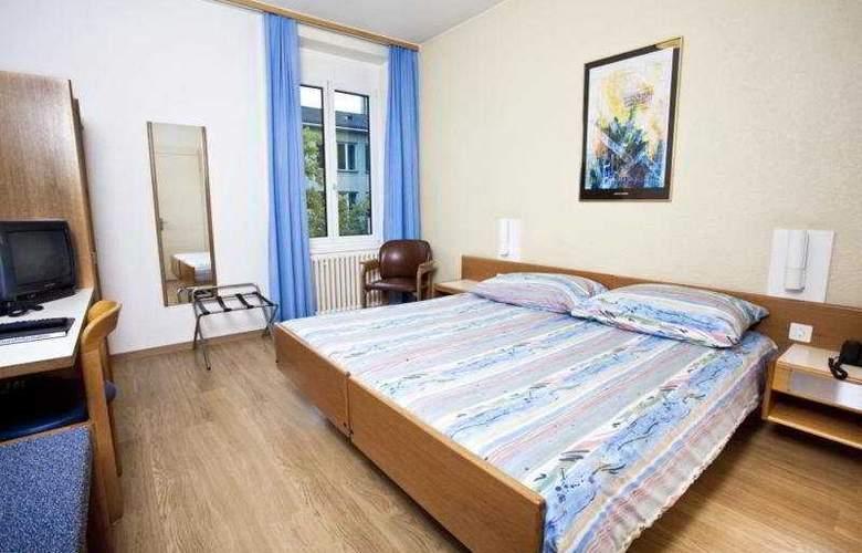 Bristol - Room - 6