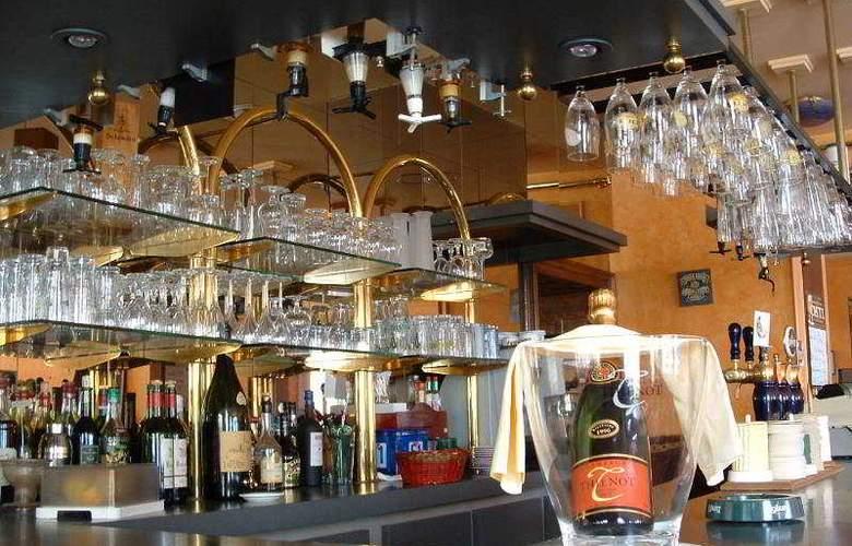 Interhotel Le Bretagne - Bar - 16