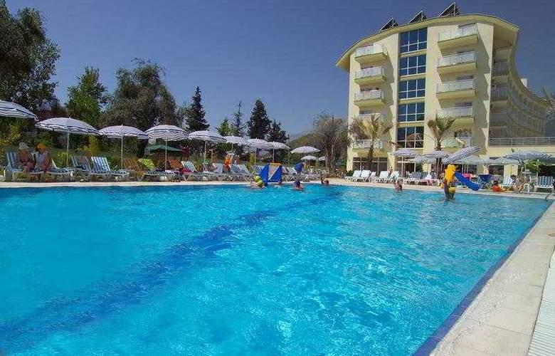 Lims Bona Dea Beach Hotel - Hotel - 0