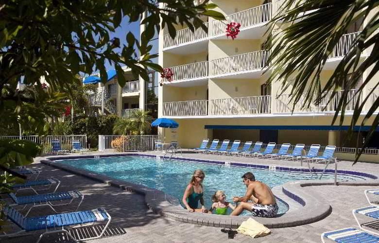 Alden Suites - Pool - 11