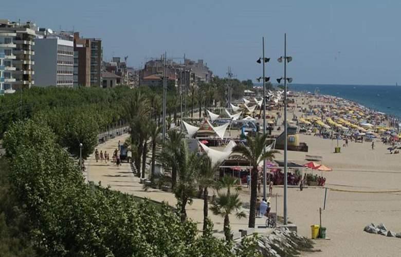 Neptuno Calella - Beach - 29