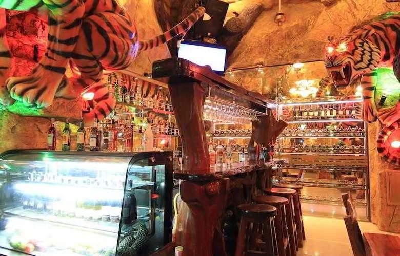 Tiger Hotel - Bar - 12
