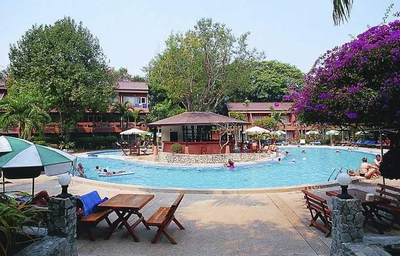 La Bourdonnais - Pool - 2