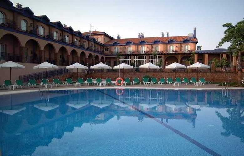 MS Fuente Las Piedras - Pool - 4