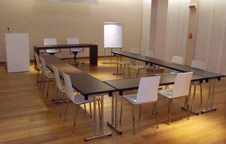 4 Viale Masini Design - Conference - 9